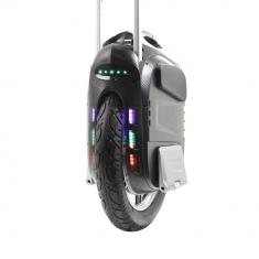 Gotway MSuper X (650 Wh): включенная LED- подсветка